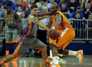 Tennessee-upsets-short-handed-No-7-Florida-NNVU425-x-large
